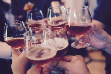 Long-Term Heavy Drinking May Prematurely Damage Arteries, Study Finds