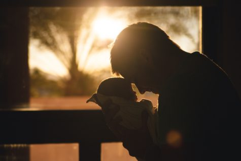 Infants Develop Stronger Brains When Dad Frequently Engages With Them, Study Finds