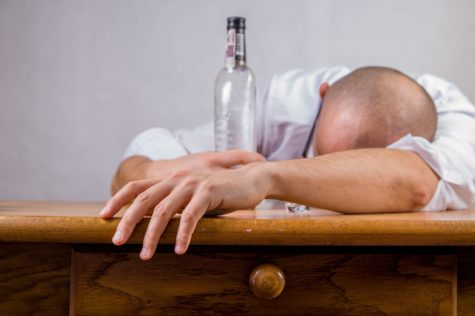 Binge Drinking in College Significantly Reduces Odds of Landing Job, Study Finds