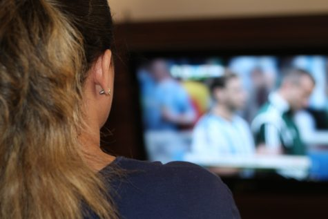 Tweets Trashing TV Shows Heavily Influence Others' Opinions, Study Finds