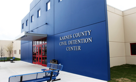 Immigration Detention Centers Resemble Jails and Prisons, Study Finds
