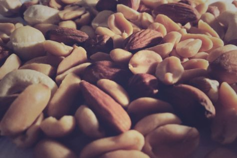 Study: Eat Nuts To Keep Off Extra Weight, Lower Obesity Risk