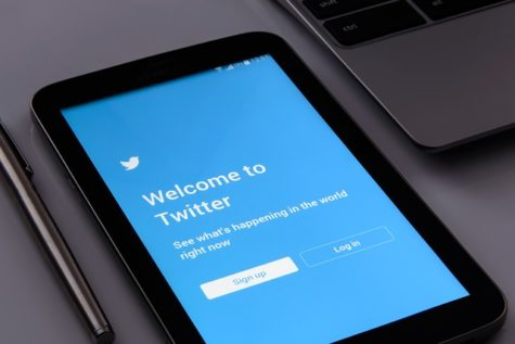 Want To Go Viral On Twitter? Emotional Political Tweets Get More Retweets, Study Finds