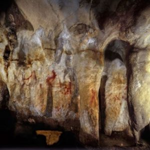 Cave wall paintings by neanderthals