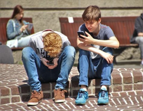 Doctor: Teens Addicted To Smartphone, Internet Have Brain Imbalance