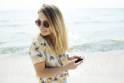 No Escape: Average Person Checks Phone Every 12 Minutes — While On Vacation!