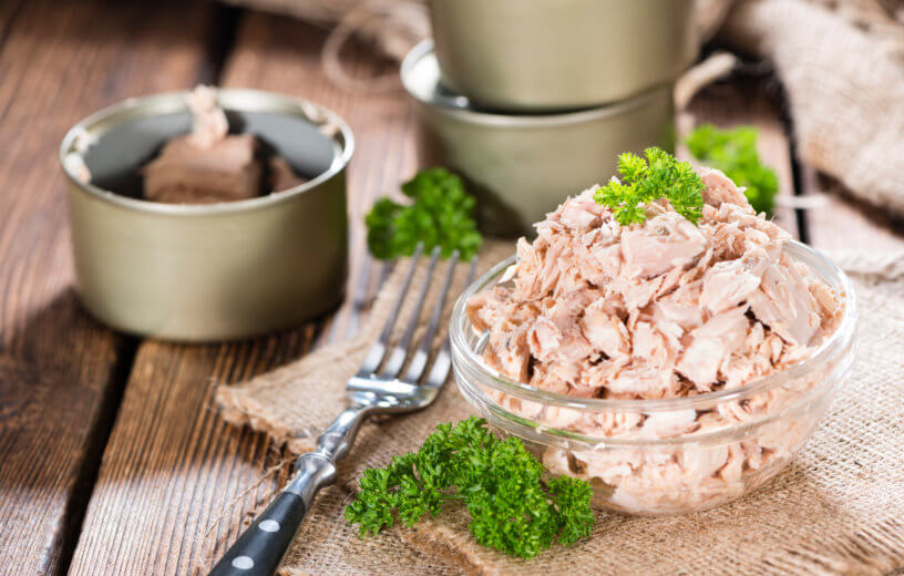 Canned tuna in a bowl