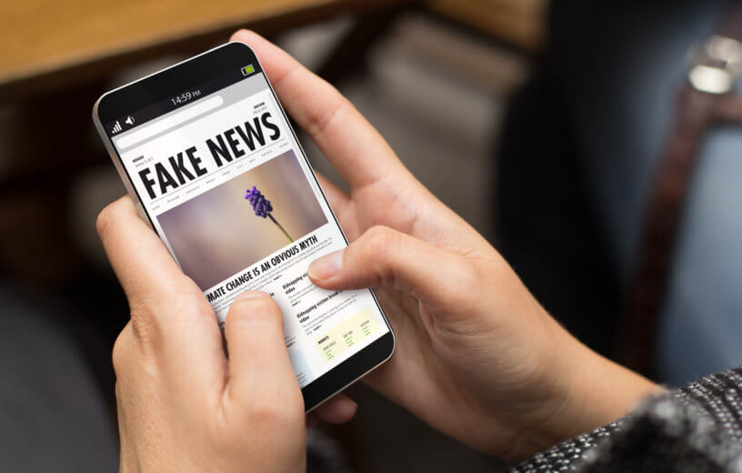 Fake News on smartphone