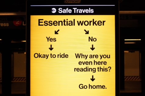 Social distancing sign by NYC MTA