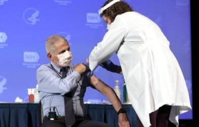 Dr. Anthony Fauci gets Moderna COVID vaccine