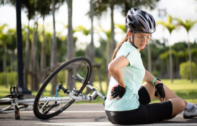 Bicyclist injured after falling off bicycle